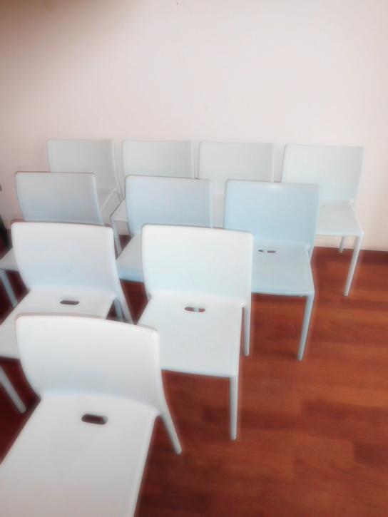 verkocht partij of aantal air chair magis jasper morrison stapelbaar. 25 euro per stuk