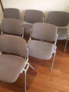 verkocht: 6 castelli stoelen van piratti, 45 euro per stuk