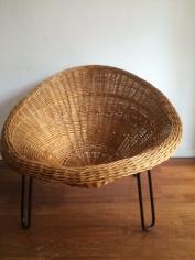 verkocht 70-er jaren rietenkuip fauteuil 75 euro
